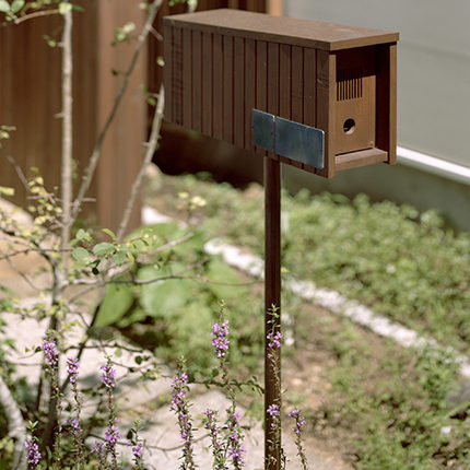 「mail box」 2011年 建築外壁杉材 photo©︎Kai Nakamura