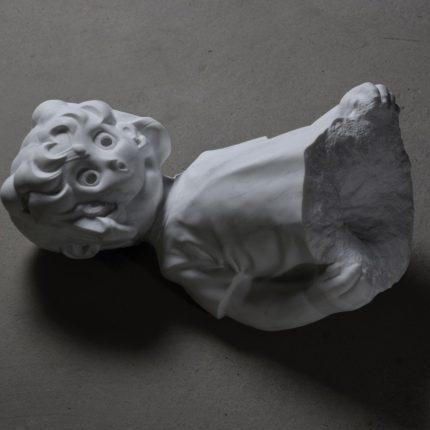 MAKE-UP, 2018, Marble, H25×W55×D31cm Photo: Susumu AKO
