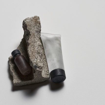 Brown&Gel(2020) ガラス、コンクリートブロック